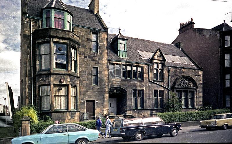 Top end of Craigpark.  Was the  Dennistoun Baths, now a snooker club.   September 1978
