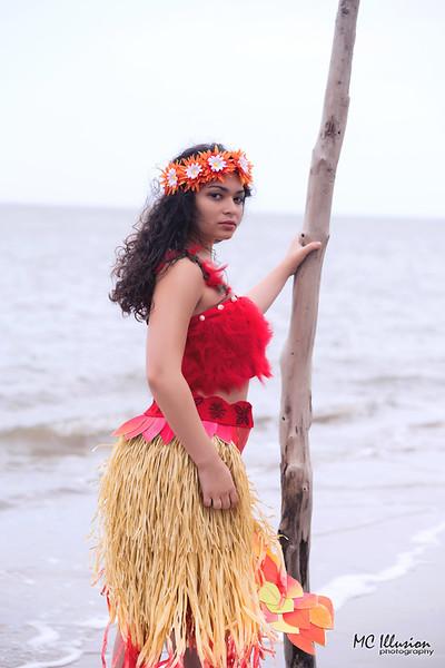 2018 04 21_Valeria Mohana Driftwood Beach_3495a1.jpg