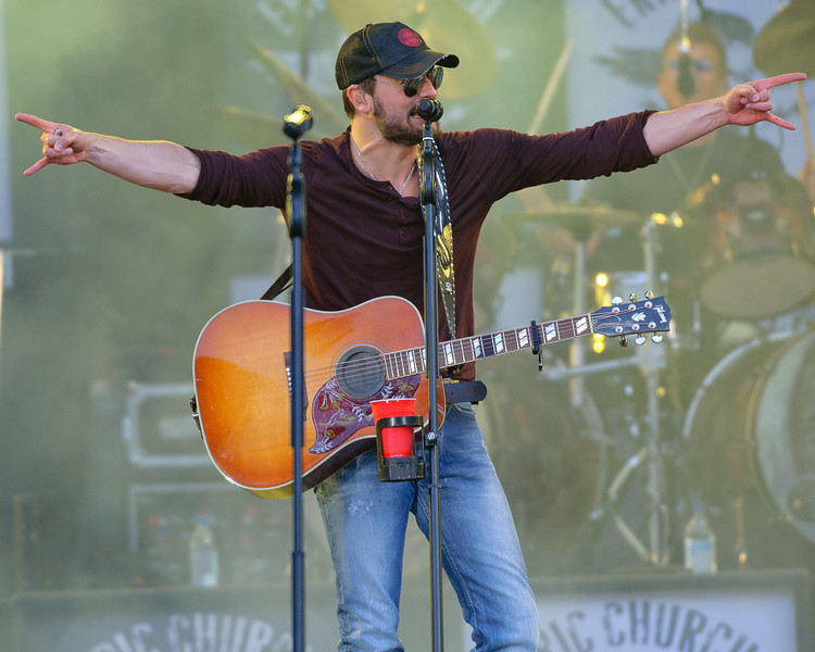 Eric Church No Shoes 13-84.jpg