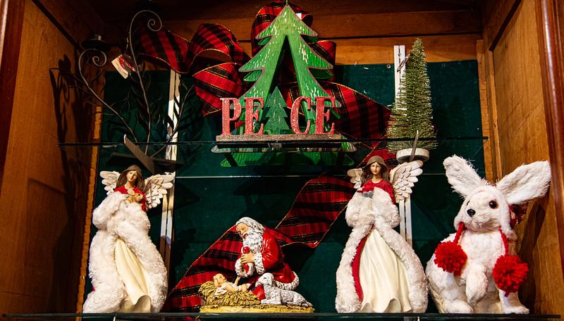 CB Christmas 19-3394.jpg