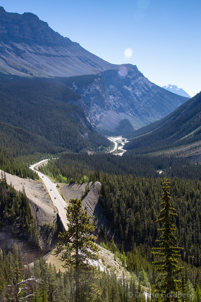 looking back at Icefields Parkway