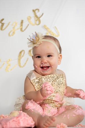 Jerzie Daiya Villotti 1st Birthday Cakesmash Dec. 20, 2019