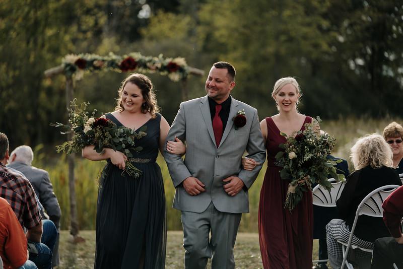 rustic_ohio__fall_barn_wedding-241.jpg