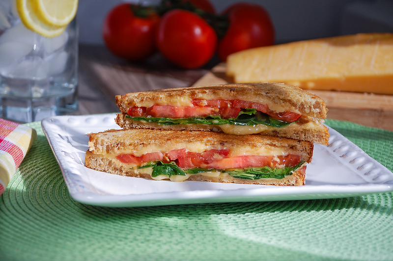 Grilledcheesewspinach.png