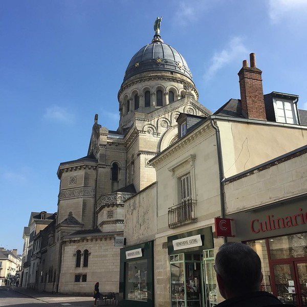 A gloomy sky for lunch in Tours, then the sun came out. #halftimberedhouse #tours #basillicastmartinoftour