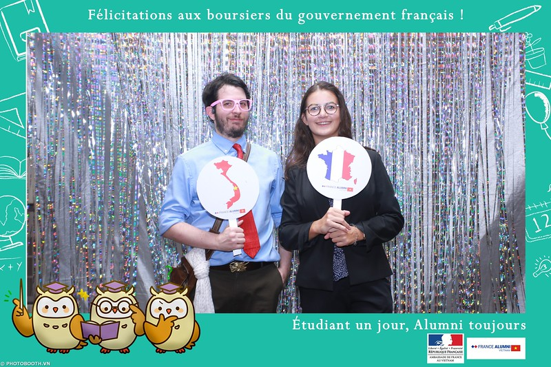 France-Alumni-Vietnam-photobooth-at-Franch-Embassy-Vietnam-photobooth-hanoi-in-hinh-lay-ngay-Su-kien-Lanh-su-quan-Phap-WefieBox-photobooth-vietnam-045.jpg