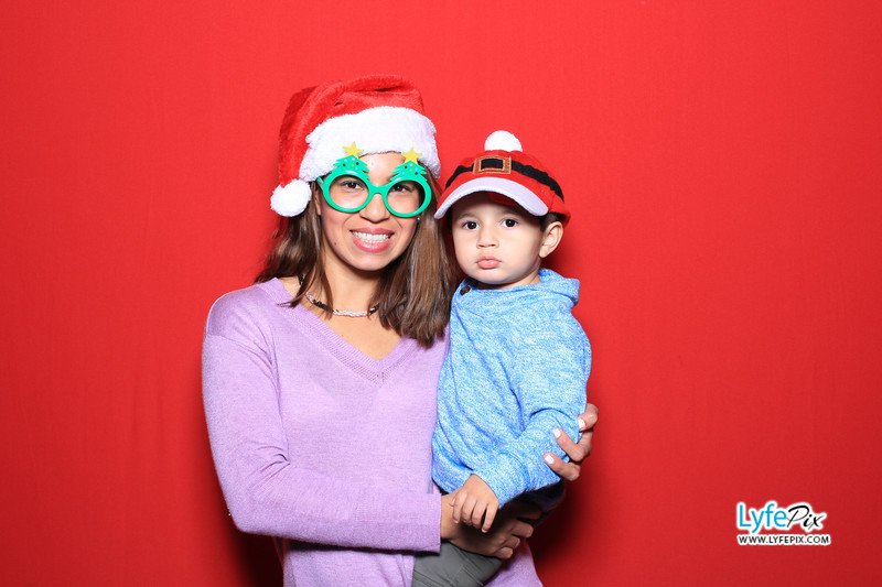 eastern-2018-holiday-party-sterling-virginia-photo-booth-0090.jpg
