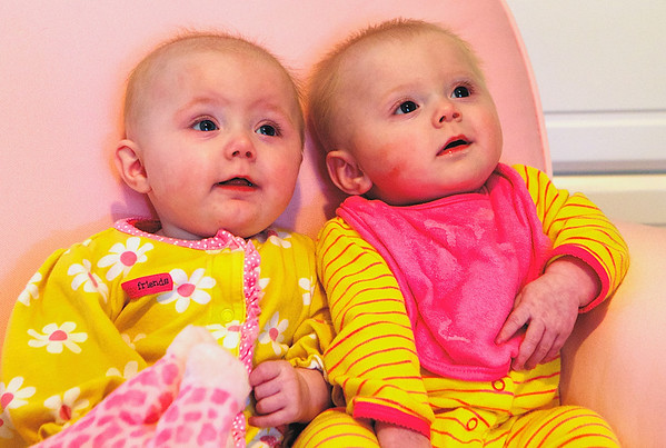 Elise and Annika - 2013-03-19