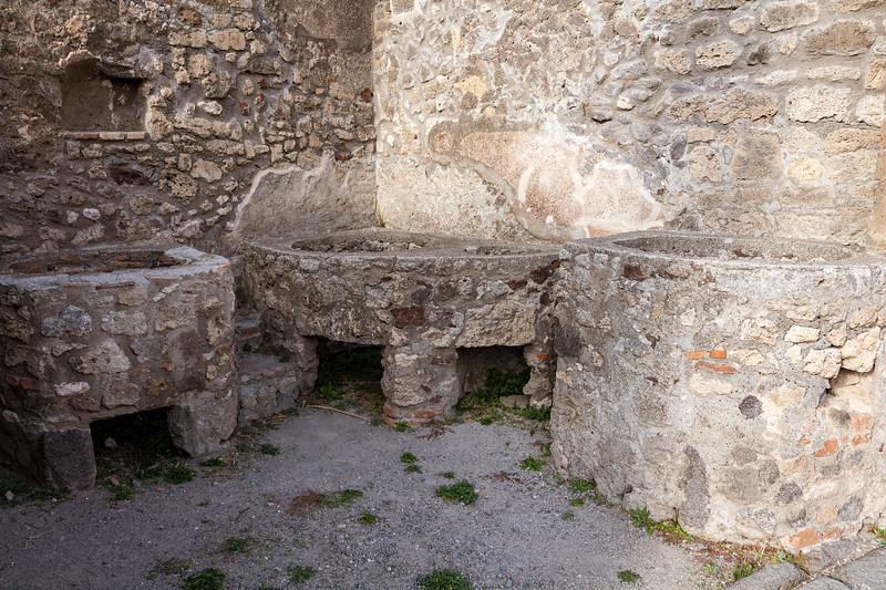 Pompeii 6992.jpg