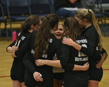 Outlaw Volleyball vs Bend Endowment Game 10-29-14