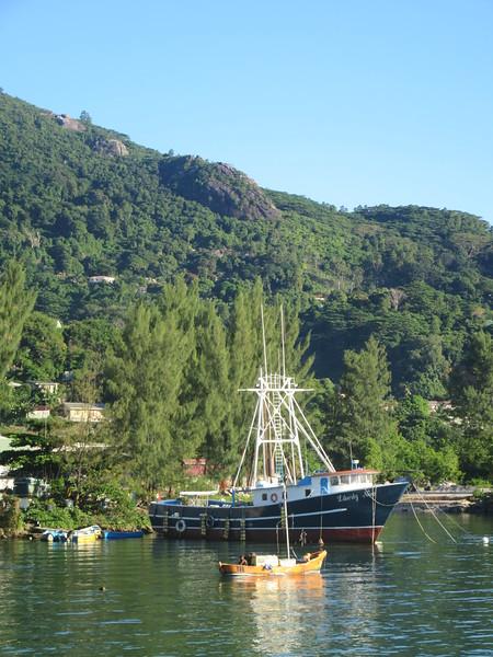 027_Mahé Island. Harbour.JPG