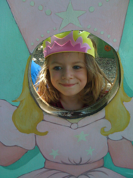 Sam Glinda Close-up