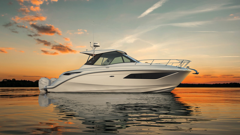 2020-320-Sundancer-Outboard-Coupe-sunset-1.jpg