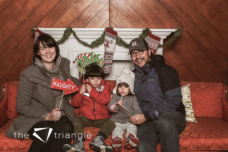 awkward-family-photo-booth-062.jpg