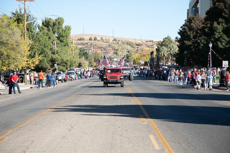 HOMECOMING PARADE 2019-1800.jpg