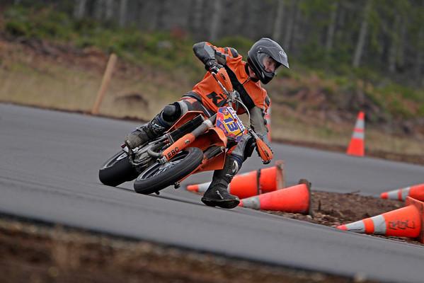13 - KTM Motard