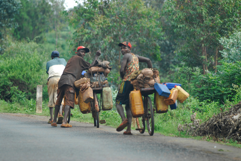 070116 4574 Burundi - on the road to Source of the Nile _E _L ~E ~L.JPG