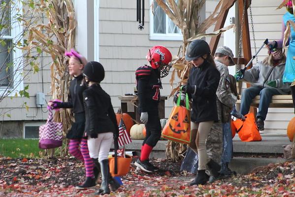 '20 Halloween Burton Trick or Treating