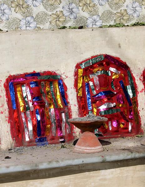 Impromptu shrine in Barli
