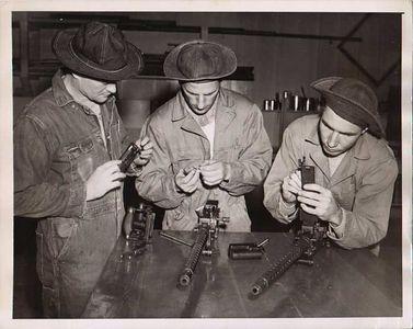 1919 MACHINE GUN