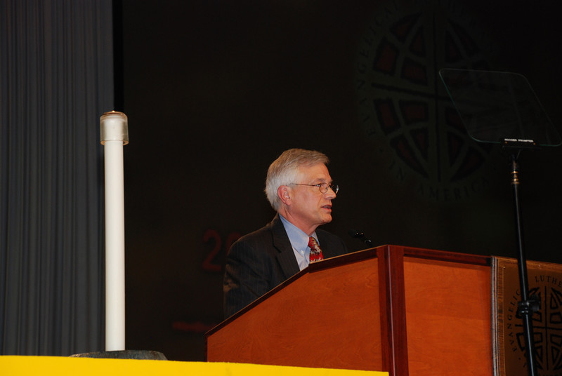 David Swartling addresses the assembly as a nominee before that third ballot for ELCA secretary.