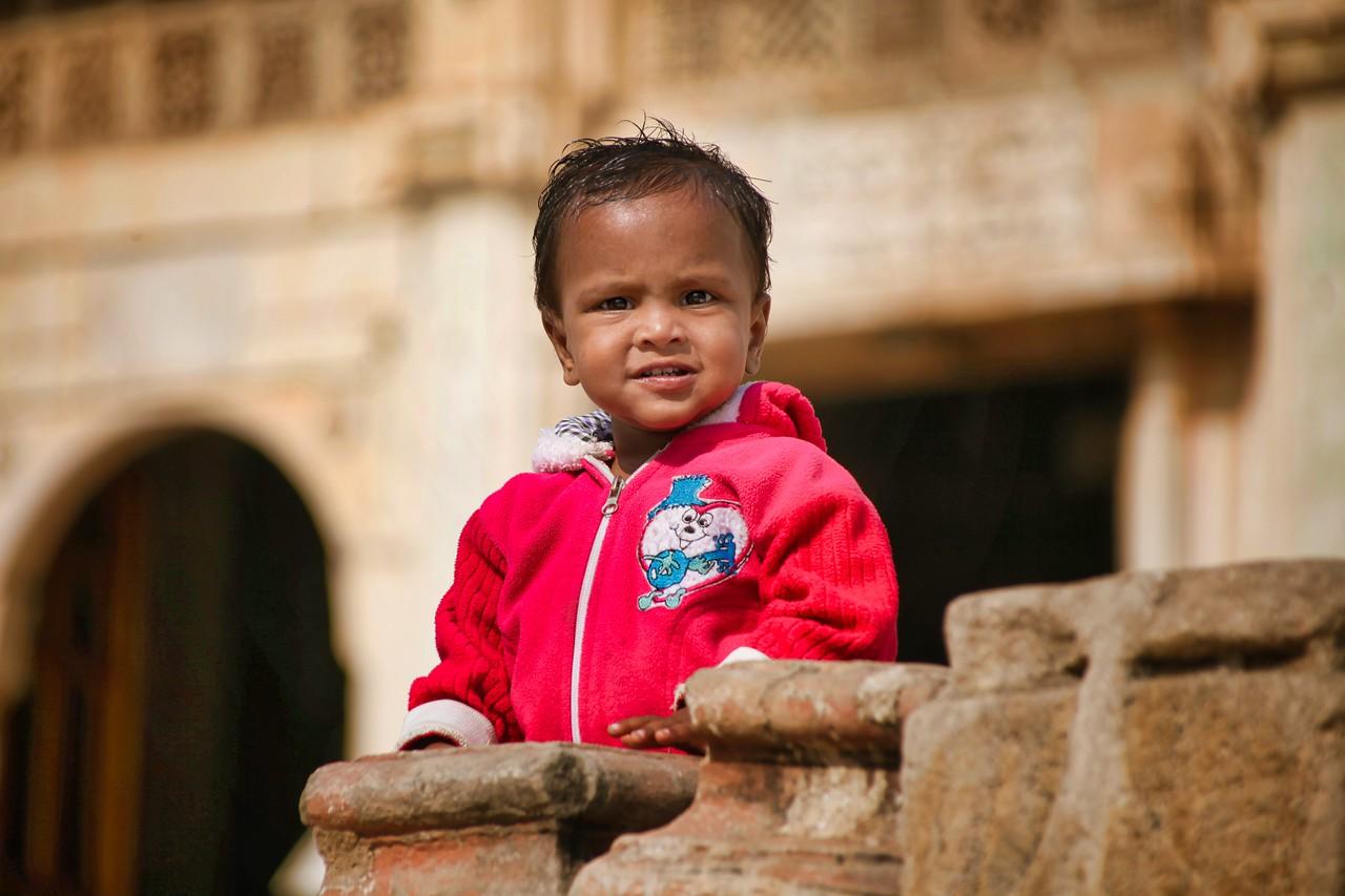 Ahmedabad India Sarkhej Roza kid