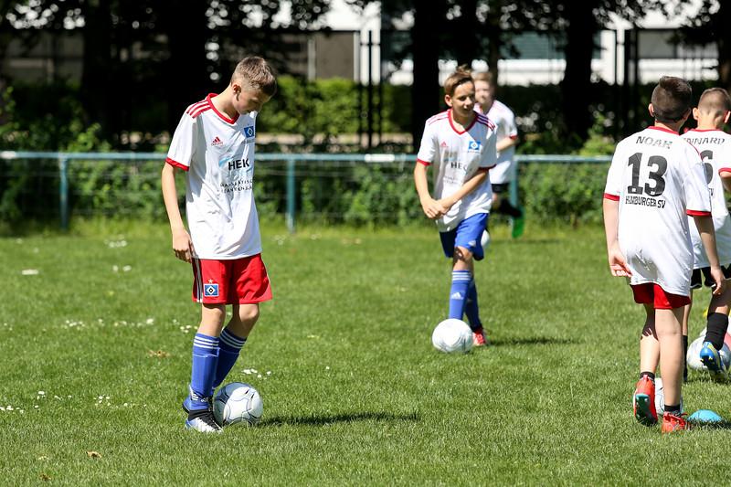 hsv_fussballschule-541_48047944501_o.jpg