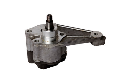 JOHN DEERE ENGINE OIL PUMP RE504914
