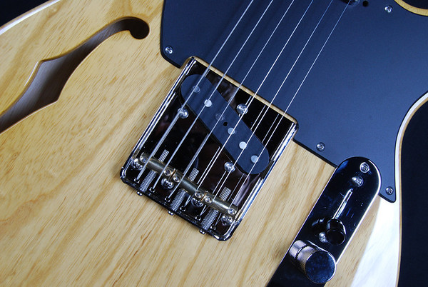 Retro Classic Hollow T, Aged Natural, TT Pickups