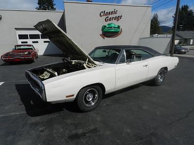1970 Dodge Charger - Survivor