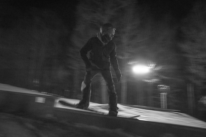 Nighttime-Rail-Jam_Snow-Trails-108.jpg