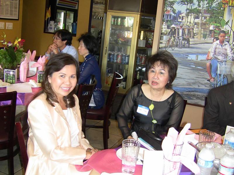 Cô Cẩm Vân, bà Phan Nghè