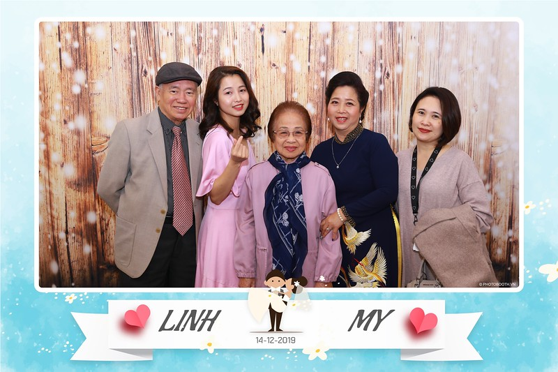 Linh-My-wedding-instant-print-photo-booth-in-Ha-Noi-Chup-anh-in-hnh-lay-ngay-Tiec-cuoi-tai-Ha-noi-WefieBox-photobooth-hanoi-15.jpg