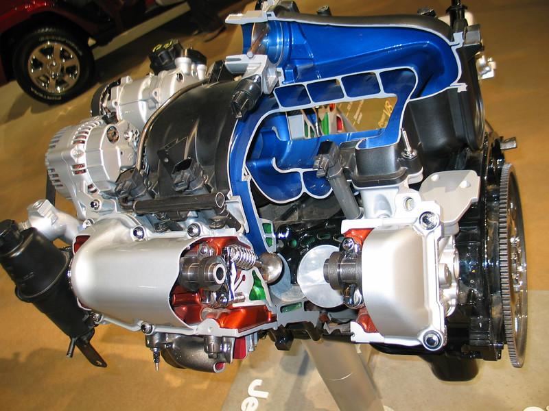4.7L Jeep Power Tech V8 Engine (cutaway)