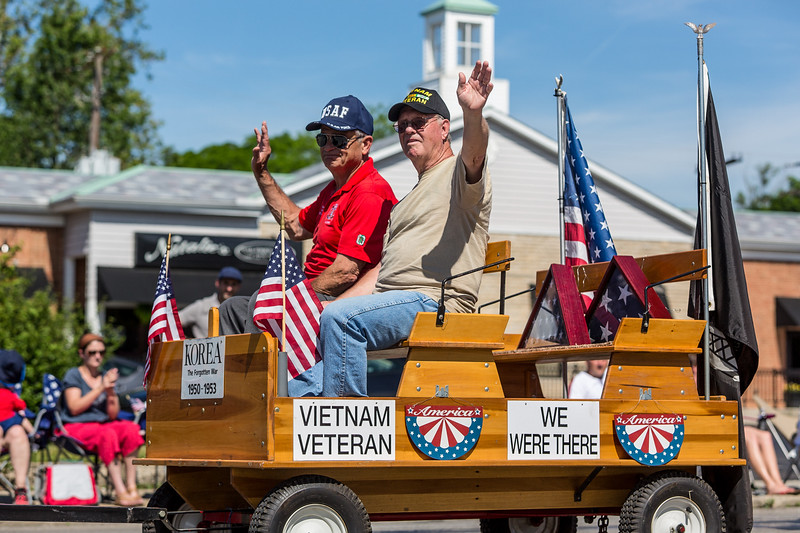 Ron's new knee was still healing, so as a veteran he was invited to ride with Mott's Military Museum