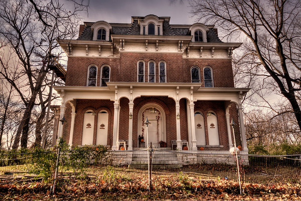 Haunted McPike Mansion Alton, IL