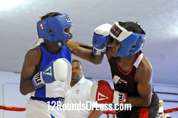 Bout 3 Delante Johnson,Untouchable, Cleveland -vs- Michael Crawford, Unattached, Akron 110 lbs
