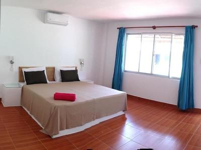 Sihanoukville Hotel Box