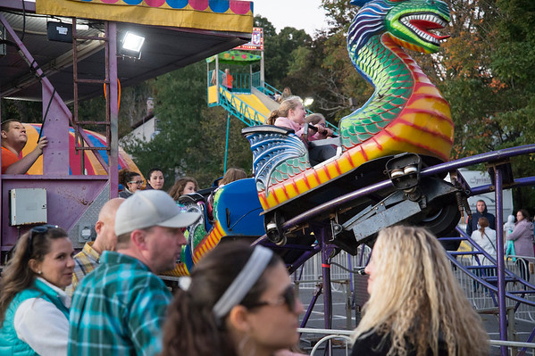 10/04/19 Wesley Bunnell | StaffrrChildren rides in operation on opening night at the Southington Apple Harvest Festival on Friday October 4, 2019.