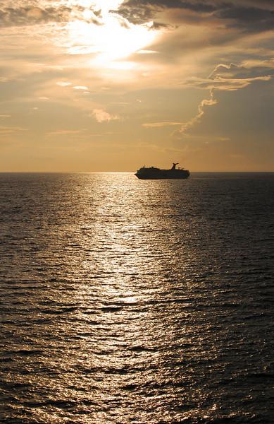 cruisesunset1.jpg