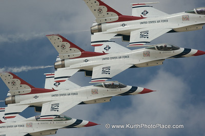 Thunderbirds at Offutt AFB Air Show - 2008