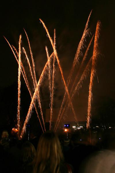2007_1102putneyfireworks035_edited-2.JPG
