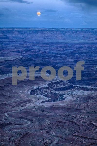 Canyonlands, Mesa Arch  6309_HDR (2).jpg