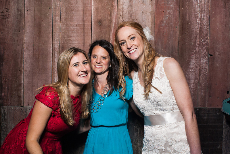 KatieTylerWeddingPhotobooth-0285.jpg