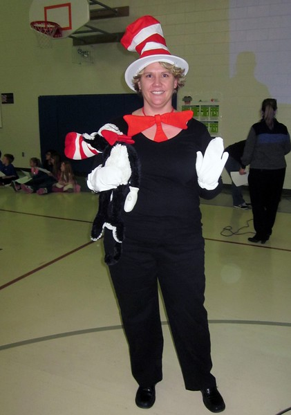 5129_brownell_Mrs._Cat_in_the_Hat_870x1242.jpg