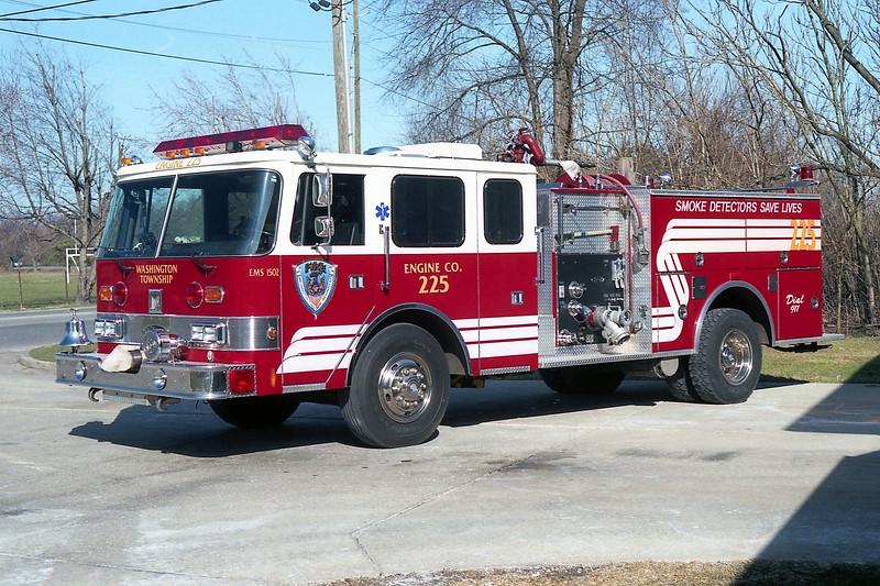 WASHINGTON TOWNSHIP  ENGINE 225   PIERCE ARROW.jpg