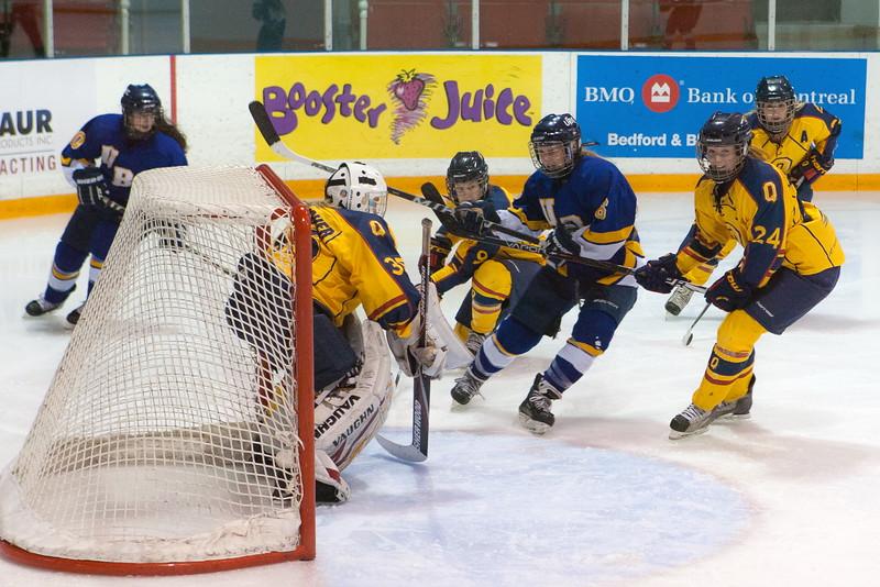 20130310 QWHockeyvsUBC 647.jpg