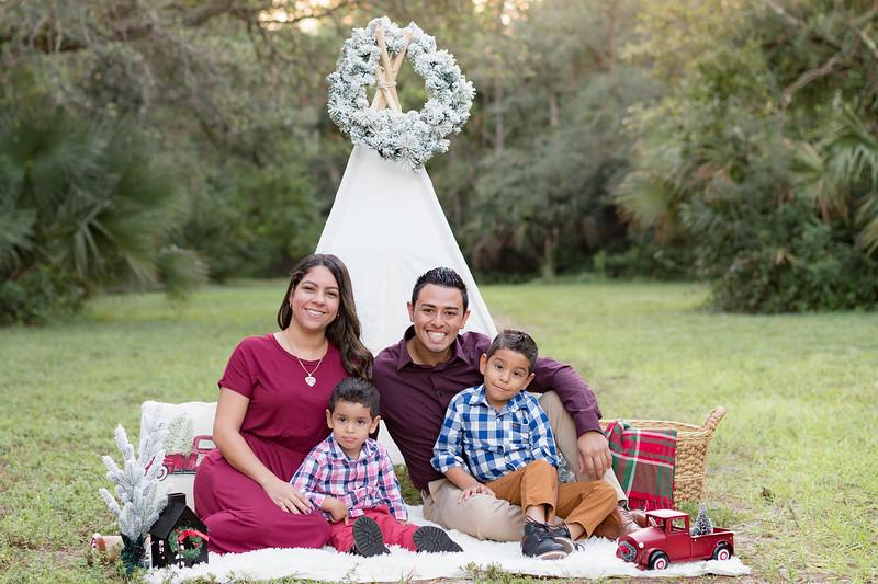 Ariza Family 2020-5.jpg