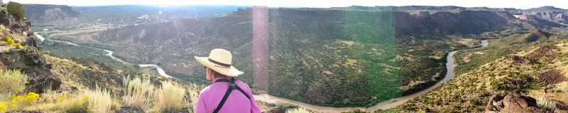 IMG_8734 em Rio Grande overlook Panorama w Mima White Rock cell-2.jpg