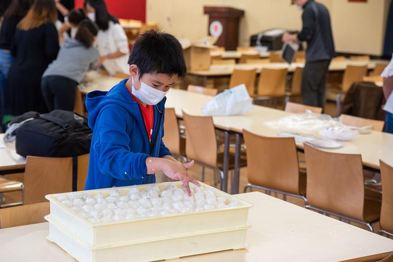 Middle School-Onigiri for the Chiku Center-ELP_4254-2018-19.jpg